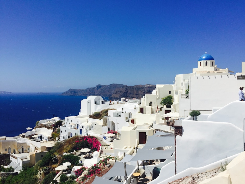 halal food and hotels in santorini greece