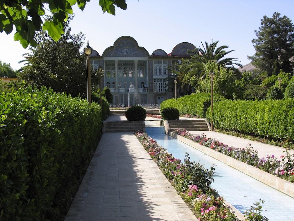 amazing gardens of bagh-e-golshan in iran