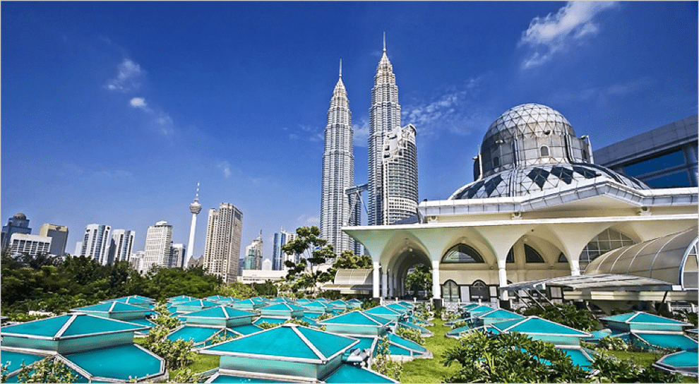 klcc places to stay and halal food