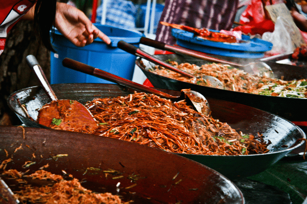 Halal cheap street foods for Muslims in Kuala Lumpur