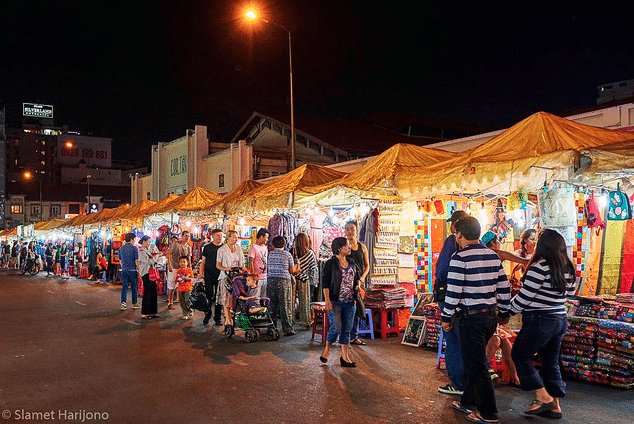 Muslim friendly night markets in Ho ChI Minh City Vietnam
