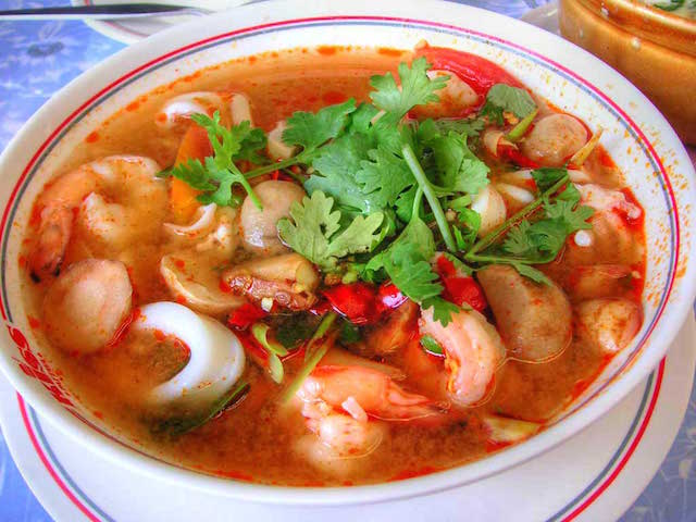 Must try halal tom yum food in Thailand for Muslim travelers