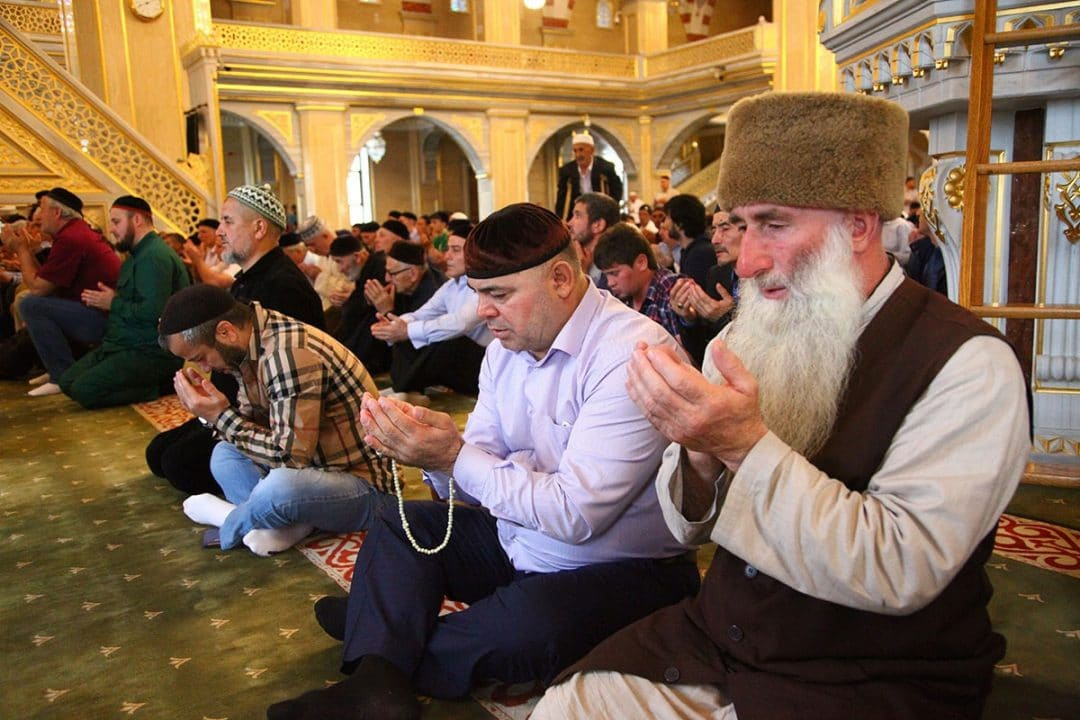 muslims in chechnya celebrate eid