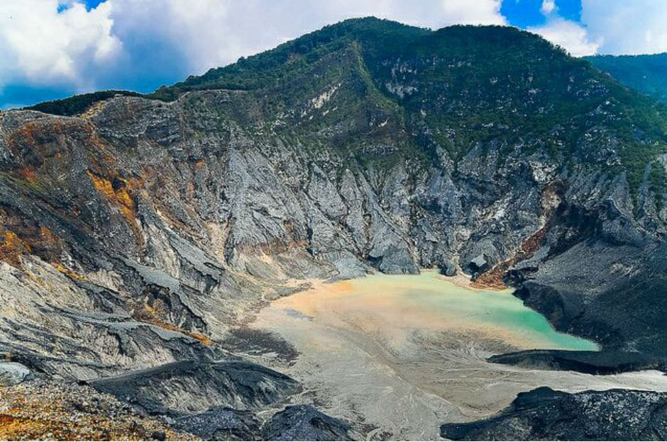 tangkuban perahu indonesia muslim friendly country