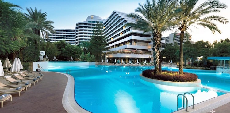 Halal hotels in Antalya Turkey for Muslim families