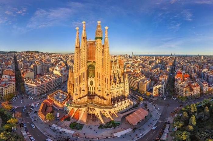 Muslim friendly barcelona travel guide - Sagrada Familia