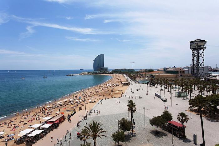 Muslim friendly places in Barcelona - Barceloneta Beach