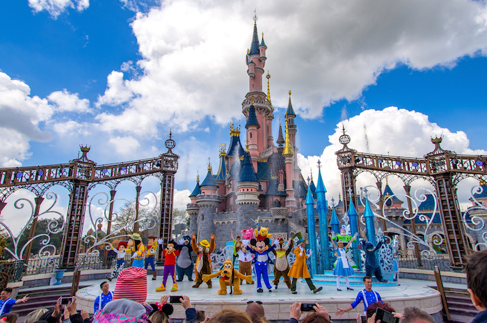 Muslim friendly tourist attractions in paris - disneyland