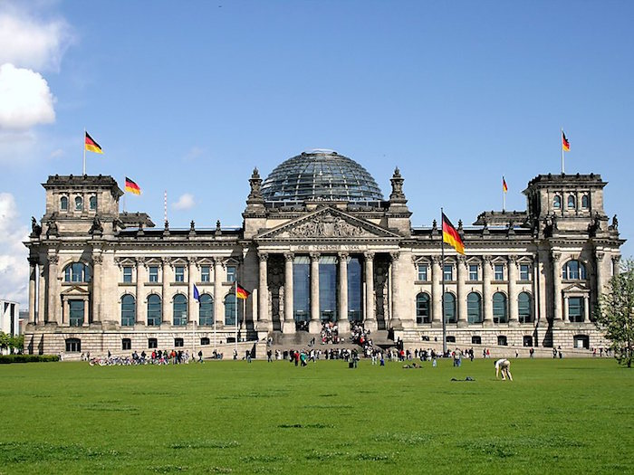 Berlin travel guide for Muslims - Reichstag building