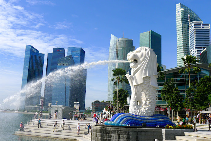 Budget travel to Singapore - Merlion