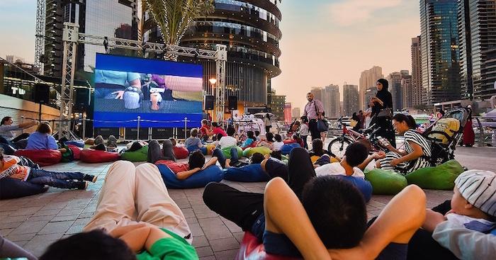 Fun free things to do in Dubai - Watch movies