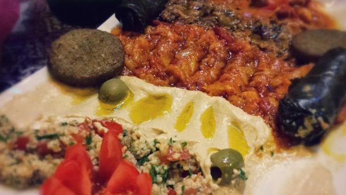 مطعم إيراني حلال في مدينة روما، إيطاليا