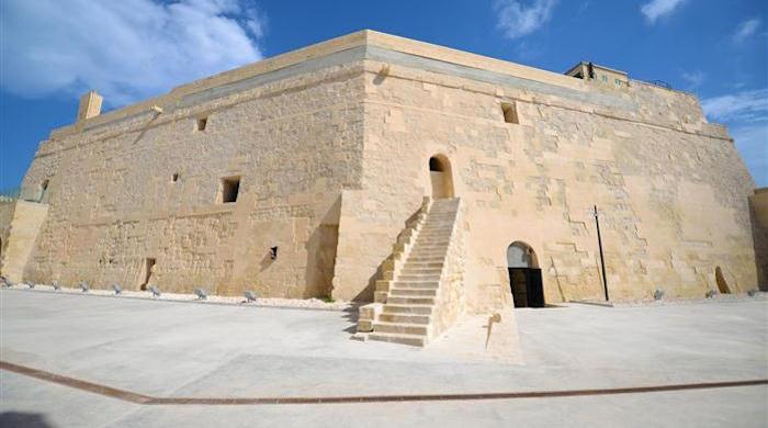 Fort St Elmo Malta travel guide